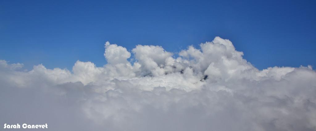Le Piton des Neiges... sous les nuages